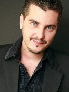 Olivier GAY, portrait trouvé sur Lecteurs.com